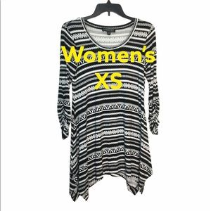 Context XS Asymmetrical Knit Tunic Top Black White